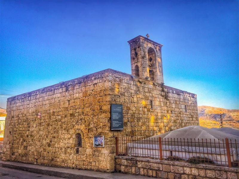 Mar Méma est la plus ancienne église maronite du Liban Toujours debout.... (Ehden, Lebanon)