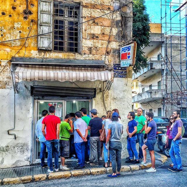 Queuing up for hannamitri ice cream 🍦... (Achrafieh, Lebanon)