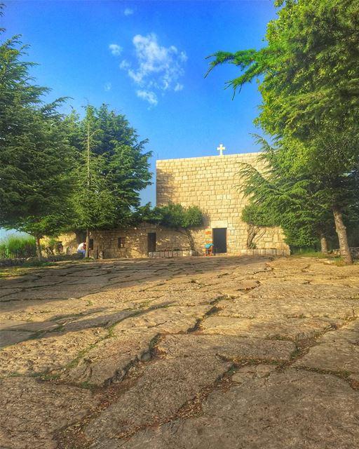 Wishing you a blessed & beautiful Sunday 🙏🌹💙✨... (St Charbel - Lebanon)