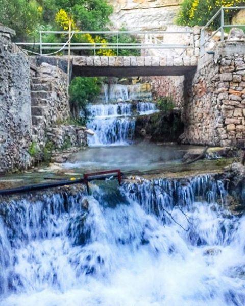 Where strength & pureness reach the soul 💙❄️💦🗻💦❄️💙 Ehden Waterfalls 🙏 (Nabaa Mâr Sarkîs)