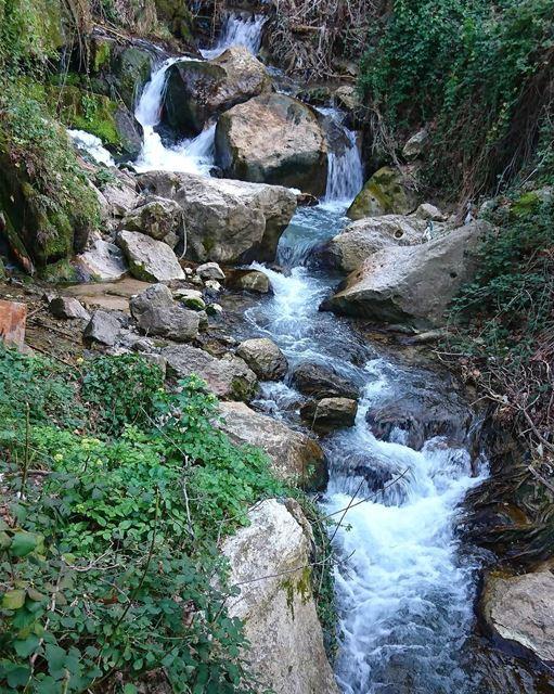 Take a breath Just let goLust n love nature beauty river... (Nabe3 bater Al chouf)