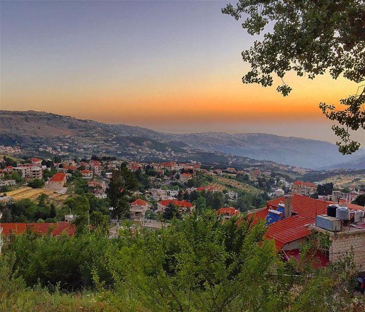 Thank u @roubazz for the hospitality, iftar, & a great evening... nature ... (Residence RAFII- Hammana)