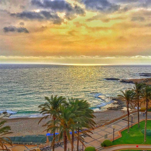 sunset sea nature naturelovers naturecolors walk WhatsUpLebanon ... (Beirut, Lebanon)