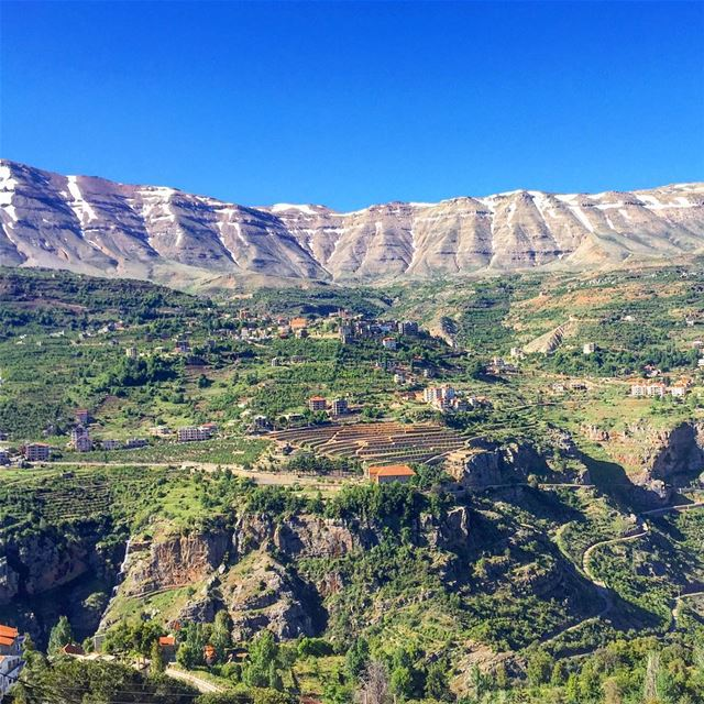 sunday getaway panoramic view landscape valley trees nature blue ... (Bcharreh, Liban-Nord, Lebanon)