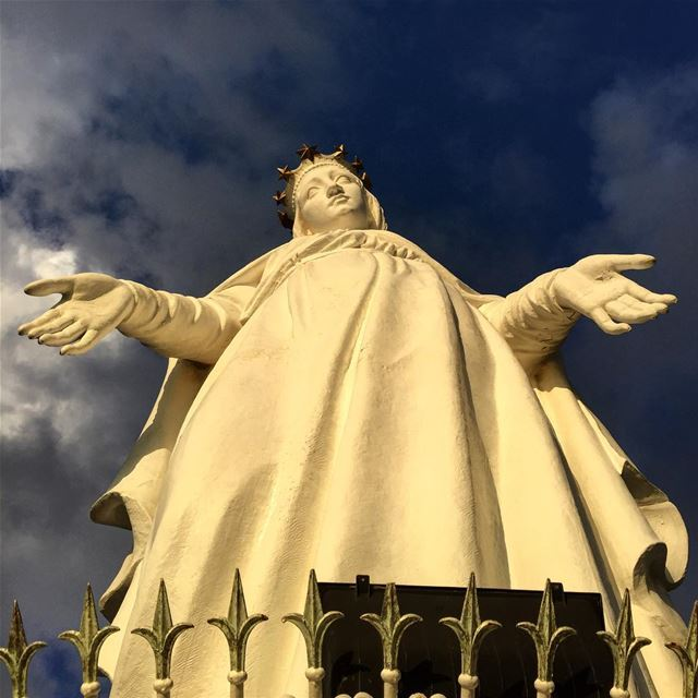 virgin Mary sculpture statue art religion christianity ... (Harisa, Mont-Liban, Lebanon)