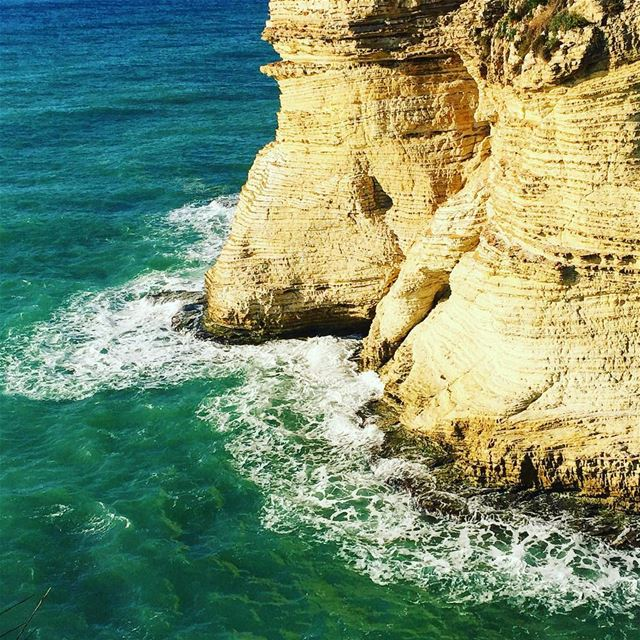 seashore rocks sea waves nature naturelovers igers igdaily ... (Rawsheh, Beirut, Lebanon)