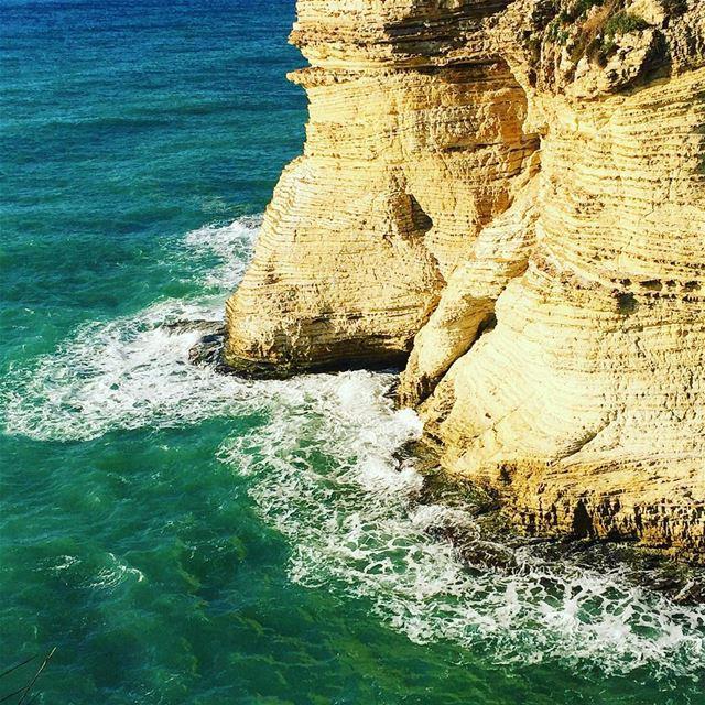 seashore rocks sea waves nature naturelovers igers igdaily ... (Rawsheh, Beirut, Lebanon)