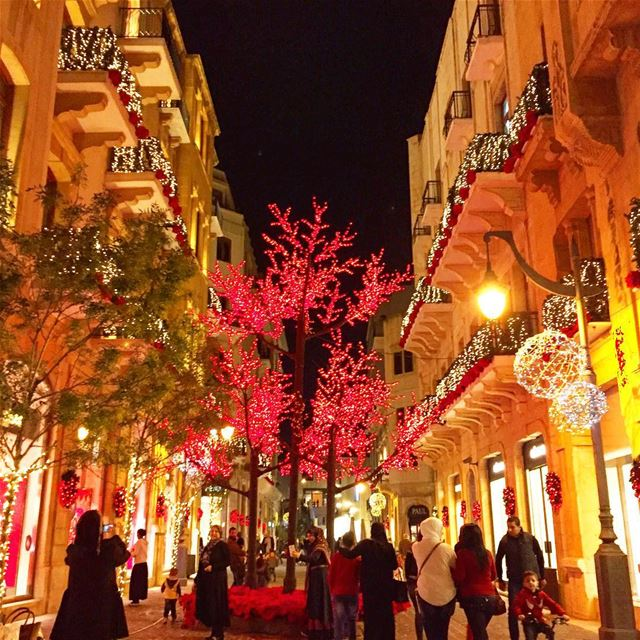 Christmas spirit decoration crowd colors igers igdaily igaddict ... (Beirut Souks)