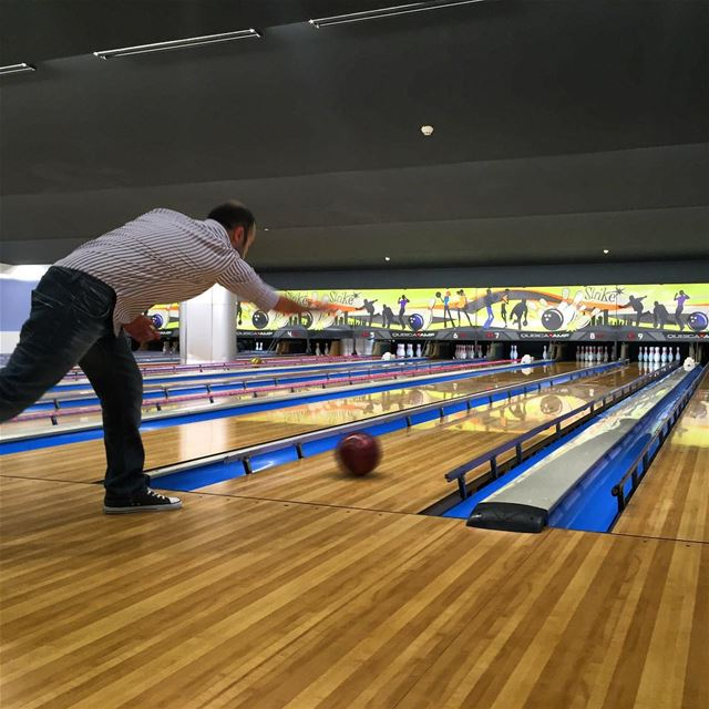 bowling friends day out friendsdayout sunday fun instagood ... (Crowne Plaza Beirut)