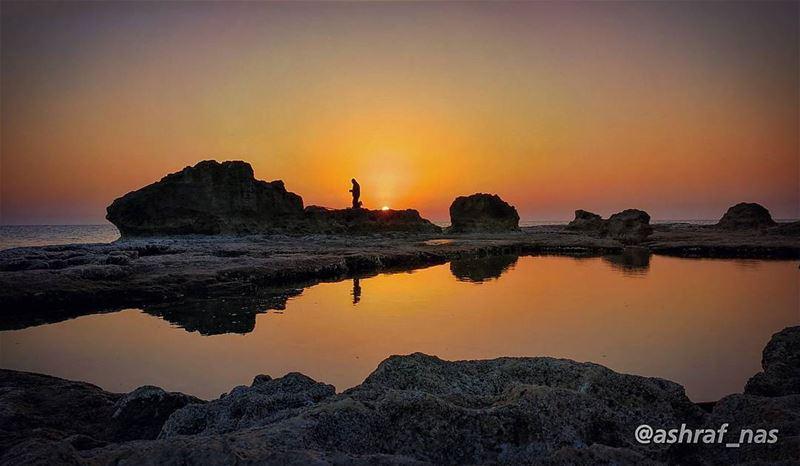 ستفتِّش عنها يا ولدي في كل مكانوستَسأل عنها موج البحروتسأل فيروز الشطآن.. (Tyre, Lebanon)