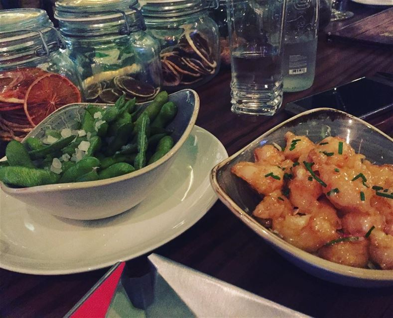 Healthy & light appetizers for dinner , are the best choice 👍 Edamame +... (Fértil Dbayeh)