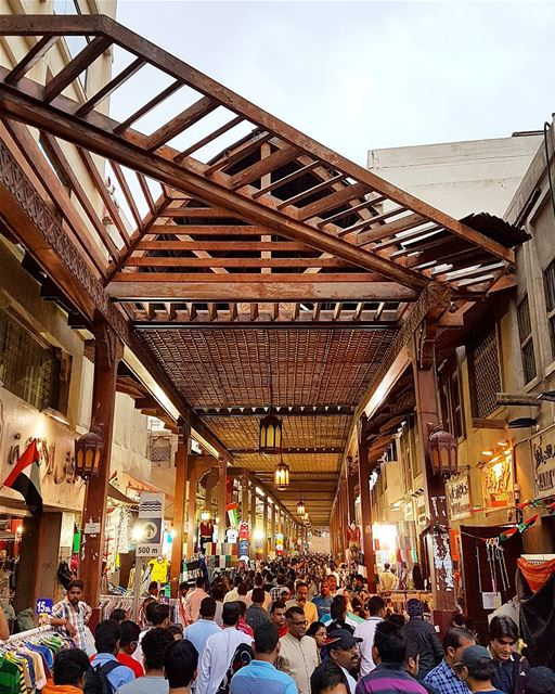 ... A calm afternoon at the old market 😀😆------.. photography ... (Old Souk Dubai)