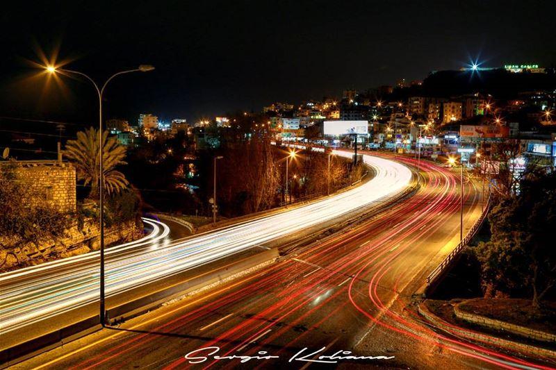 خط الرجعة. sergio_koliana_photography meetlebanon mylebanon ... (Okaybe)