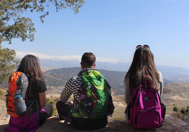 hikers natureaddict lebanon livelovelife naturesbeauty whatsuplebanon... (`Aramtá, Al Janub, Lebanon)