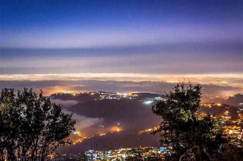 .At the night above the clouds! Good night from Hammana, LB➖➖➖➖➖➖➖➖➖➖➖➖➖➖ (Hammana)