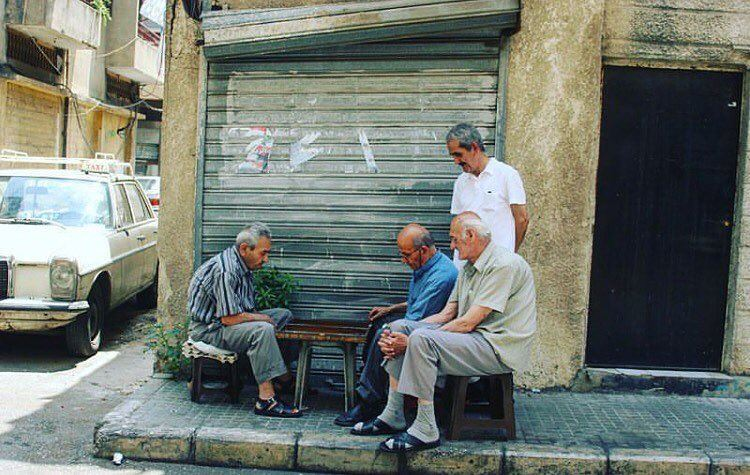 Tawle with the amigos 🎲 morning @livelovebeirut by @sboghossian ... (Borj Hammoud, Mont-Liban, Lebanon)