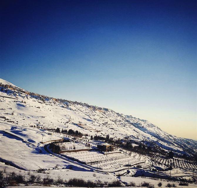 أشرق النور على الأبرار والفرح على مستقيمي القلوب (Faraya, Mont-Liban, Lebanon)