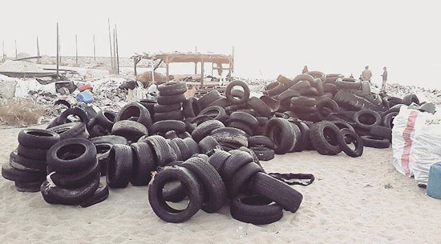 Action: there's an abundance of tires and much more to be collected and... (Residence de La Mer)