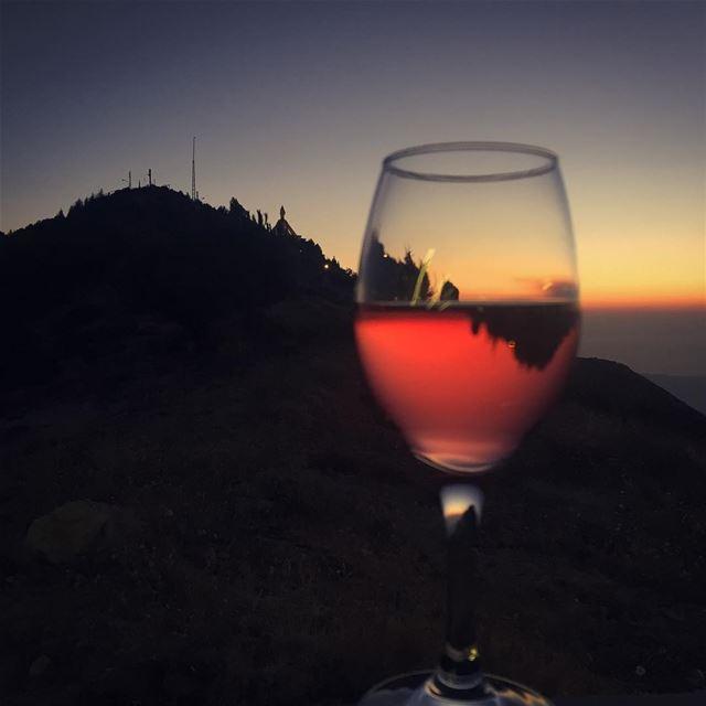 ehden rosé sunset ❤️🍷🌅______________________________________... (Bab El Hawa)
