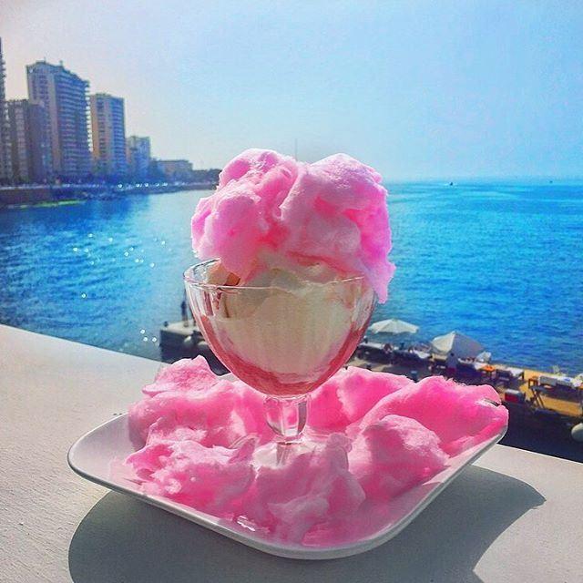 Wishing you a sweet & fresh evening 💗💙... (Boulevard Beirut)