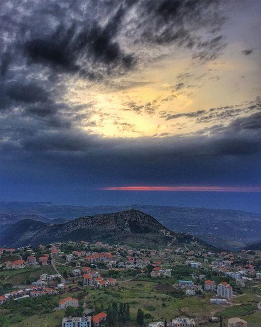 Wishing you a wonderful evening 🌹... (Ehden, Lebanon)