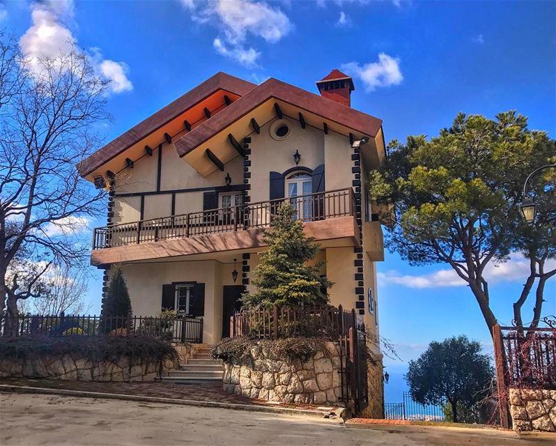 That charming house up on the hill! 🏡 ... (Bikfaïya, Mont-Liban, Lebanon)