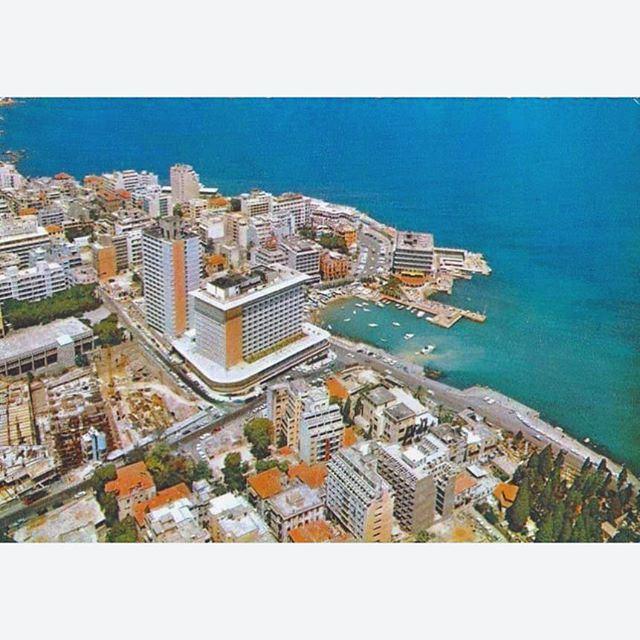 Beirut Minet Al Hosn, Phoenicia Hotel - Saint George Hotel In 1973 .