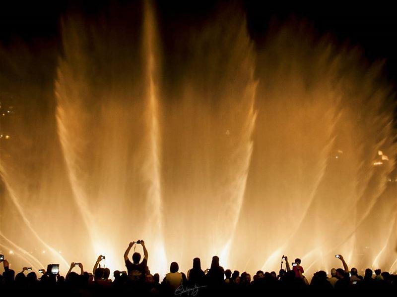 part 2 water fountains burjkhalifa dubai night city emirates ... (Waterdance At Dubai Mall)