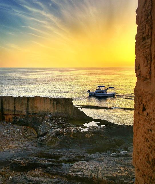 Miss summer days .. Sunset from Batroun 😍 throwback lebanon nature ... (Al Batrun, Liban-Nord, Lebanon)