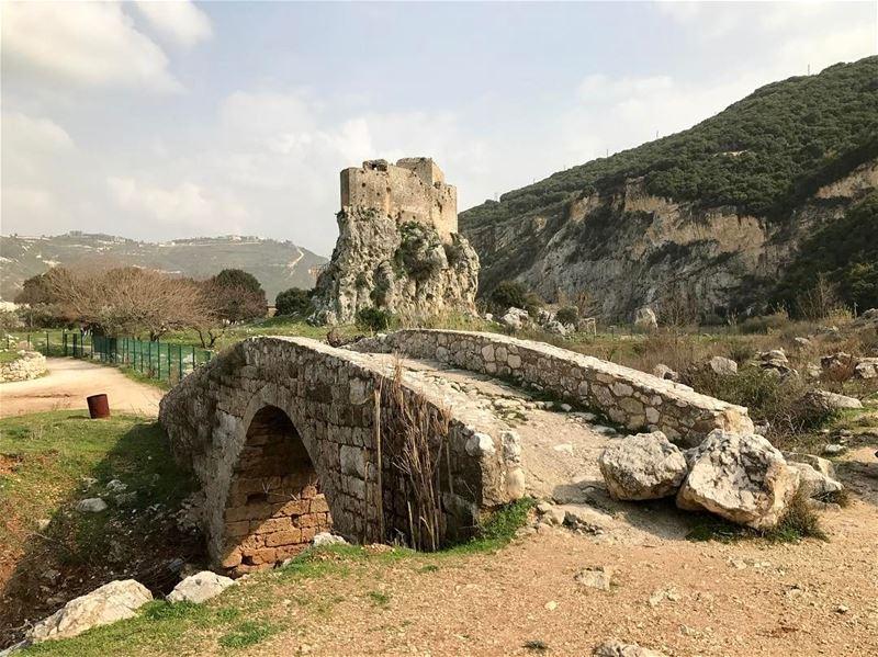 lebanon 🇱🇧 castle old nordlebanon photographs photoshoot ... (Mussaylha Crusader Fortress)