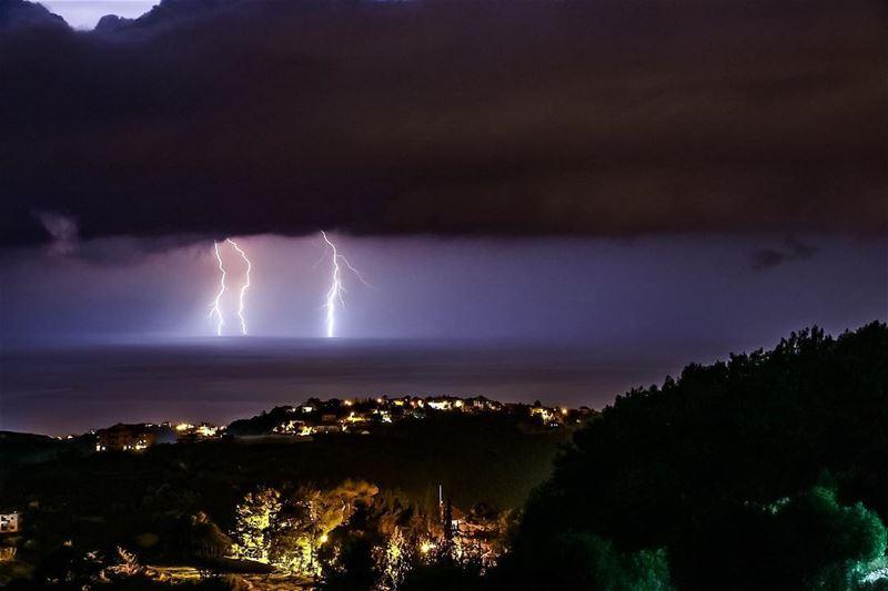 Lightning makes no sound until it strikes ⚡️ storm lightning ski sea ...