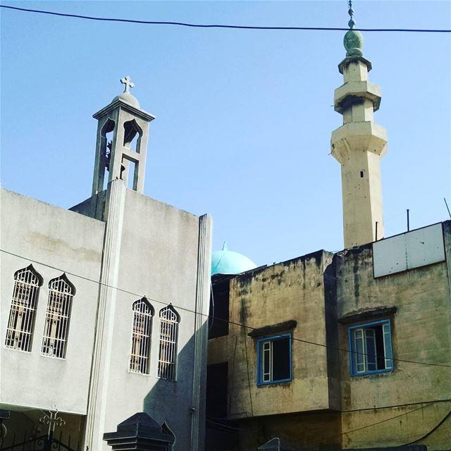 Мечеть(минарет)и церковь рядом в Триполи Ливан. mosque church together ... (Tripoli, Lebanon)