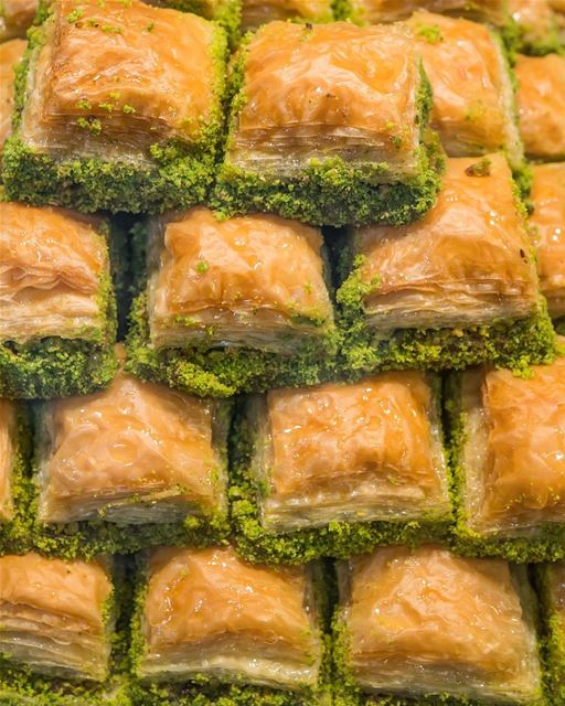 O delicioso Baklava, 'beqlawe' na pronúncia árabe, para adoçar o fim de...