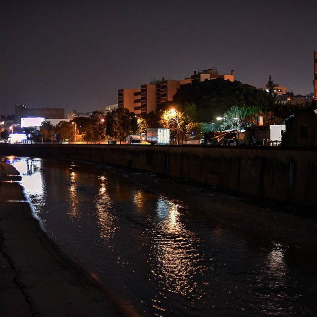 Beirut river by night lebanon beirut beirutriver whatsuplebanon ... (Naher)