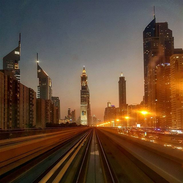 From the Metro stunning dubai's sunset view 🌆🌆🌆 metro stunning ... (Dubai, United Arab Emirates)