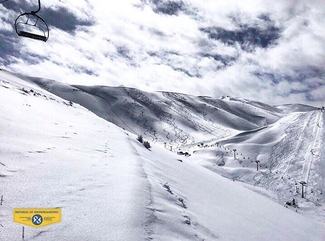 ATTENTION Beiruties>>> The season is FAR from over!! ☃️ Snow is currently... (Mzaar Ski Resort)