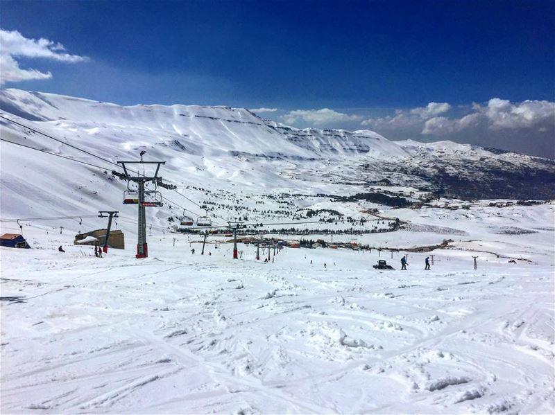 في_بلادي اخر ايام الشتوية ... قبل البحر و الشاطئ و الشمس lebanon ... (Téléskis des Cèdres - Cedars Ski Resort - Arz)