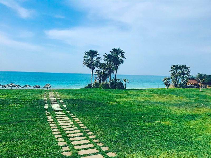 tyre tyr tyrecity sourcity tyrepage southlebanon beach ... (Turquoise BEACH Resort)