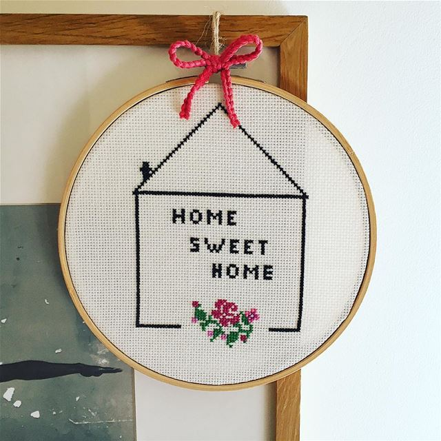 Home is where MOM is 🌹 mothers day ❤️ Write it on fabric by nid d'abeille...