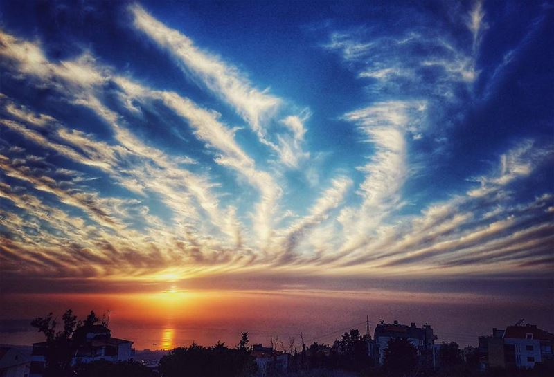 Just reached home and crossed this  painting in the sky 🌅 happeningnow... (Ajaltoun, Mont-Liban, Lebanon)