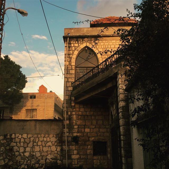 Lebanon beirut livelovelebanon livelovebeirut insta_lebanon ... (Ad Dibbiyah, Mont-Liban, Lebanon)