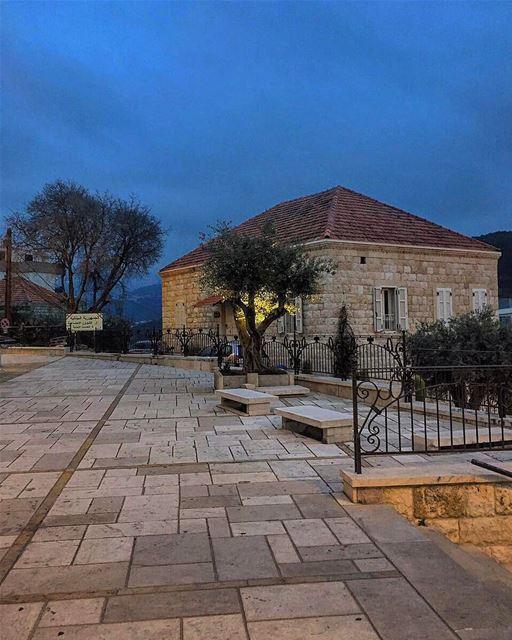 Gm Lebanon 🌄😄☀️📷 @annamariabitar_🎨✨ @pietrobassil 🙋♂️ (Zouk Mosbeh)