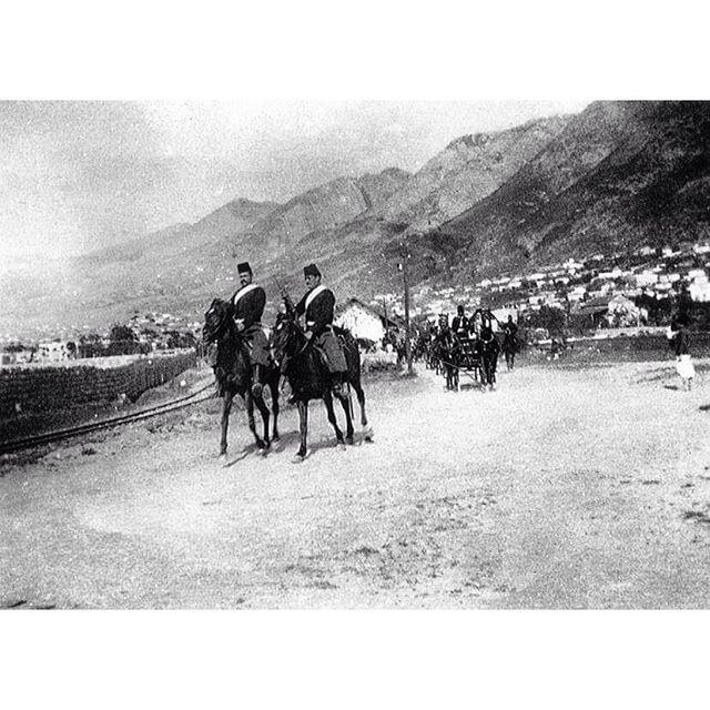 """دورية للدرك او """"الضبطيه"""" بالقرب من محطة القطار في جونية ( ابان الحكم العثماني )"""