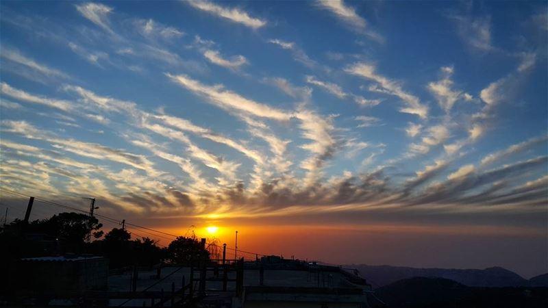 sunset ptk_sky sunsetporn sky skylovers skyline skymasters_family ... (Qarnayel)