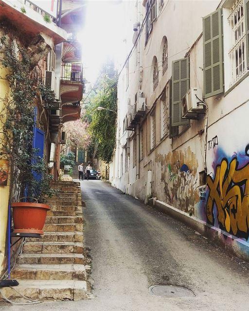 Street art!! 🔊🔝🏡👣By @as.interiors Gemmayze Beirut Liban Libano ... (Gemmayze)