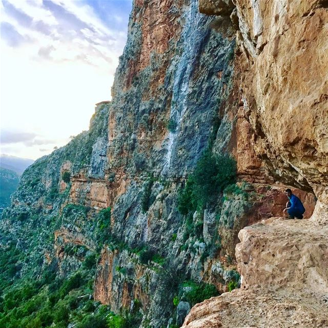 """People who live life in fear of taking risks die without living it"".... (Hrar, Liban-Nord, Lebanon)"