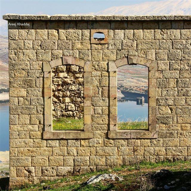 انت الهنا والعز إيامك.. والقصر مَنو قصر قدامك.. (Aïtanît, Béqaa, Lebanon)