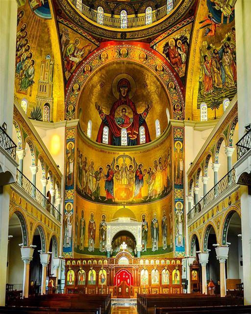 Interior da Catedral Católica Mesquita de São Pedro e São Paulo, Harissa,... (Cathedral Saint Paul)