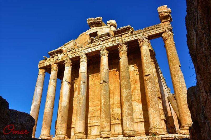 Back to baalbecktemples bacchus heliopolis heritage ancients ... (Baalbek, Lebanon)