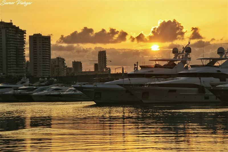 Despite all the rain before, today's sunset in Beirut was warm.......